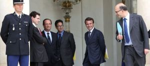 francois-hollande-receives-mario-monti-paris-macron_2432035