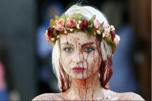 Ativistas do Femen protestam seminuas contra Igreja Ortodoxa russa na Ucrânia   Mundo   Ciência   O Dia