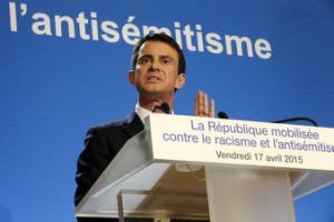 French Prime Minister Manuel Valls delivers a speech to present a plan to fight racism and anti-Semitism at the Prefecture in Creteil near Paris April 17, 2015.   REUTERS/Philippe Wojazer