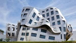escultura o edificio al estilo de frank gehry buscando la adecuacin tipo manto con las de rigidez del metal a la estructura