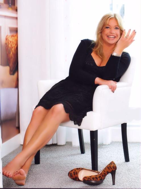 Jeanine-Hennis-Plasschaert-Feet-1465111