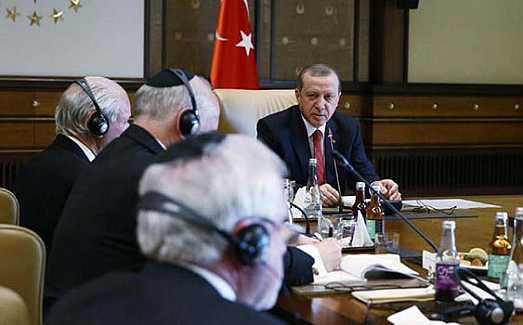 erdogan_se_rene_con_el_lobby_judo_en_ankara_h1026_f7b9d