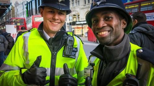 shutterstock_met_officers