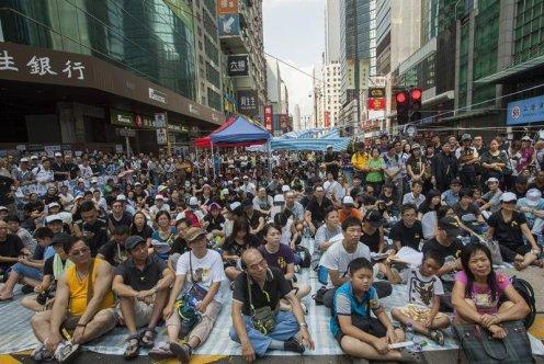 hong-kong-manifestantes-prodemocracia-se-co-1896-jpg_976x0