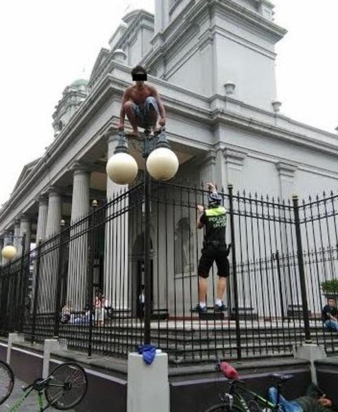 hombre-catedral-3-e1471202273374