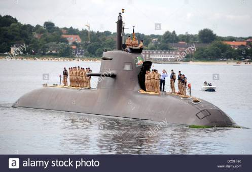 epa03830647-german-navy-submarine-u32-returns-to-the-baltic-sea-naval-DCXHHK.jpg
