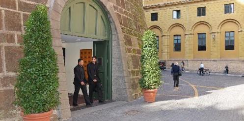 entrada-al-banco-vaticano_560x280