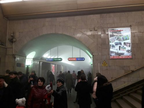 3EE6369000000578-4375518-Smoke_fills_the_station_at_the_metro_station_in_Russia_after_two-a-106_1491223518168