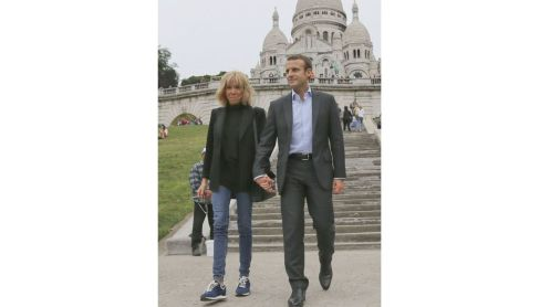 Emmanuel-Macron-wife-Brigitte-Trogneux-Macron-photo