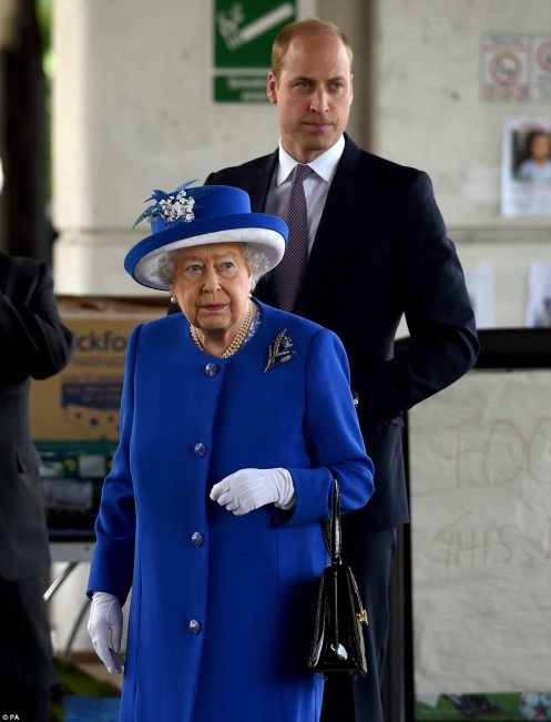 4177629200000578-4610270-Queen_Elizabeth_II_and_the_Duke_of_Cambridge_arrive_to_meet_memb-a-150_1497608739872
