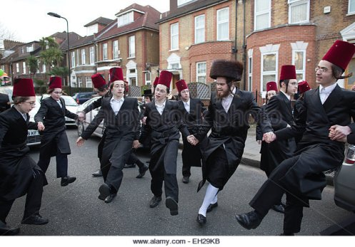 stamford-hill-london-uk-5th-march-2015-jewish-purim-festival-celebrations-eh29kb