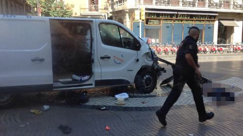 4354A7E100000578-4800390-In_Barcelona_a_hired_van_pictured_registered_to_rental_company_T-a-11_1503063105187