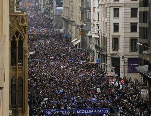 manifestacion-barcelona-promigrantes-580x446