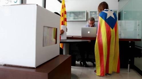 golpe-para-puigdemont-56-de-los-catalanes-quiere-referendum-pactado