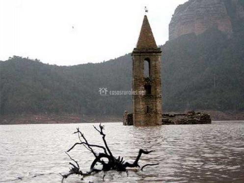 tb_Iglesia de Susqueda en el pantano