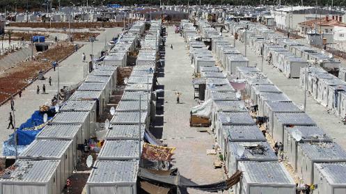campo-de-refugiados-conhecido-como-cidade-conteiner-na-fronteira-da-siria-com-a-turquia-original