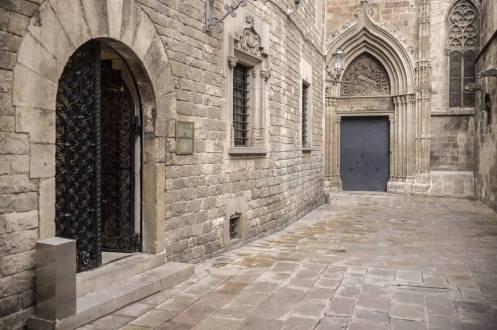 Casa-dels-Canonges-Barcelona_fyvabi