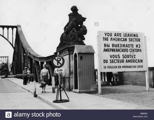 geography-travel-germany-berlin-glienicke-bridge-view-1950s-west-berlin-BB6950