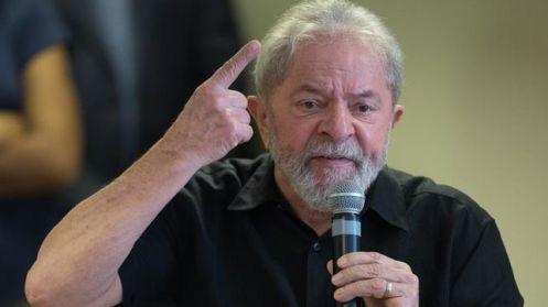 Lula-mantiene-intenciones-elecciones-Brasil_EDIIMA20171001_0001_4