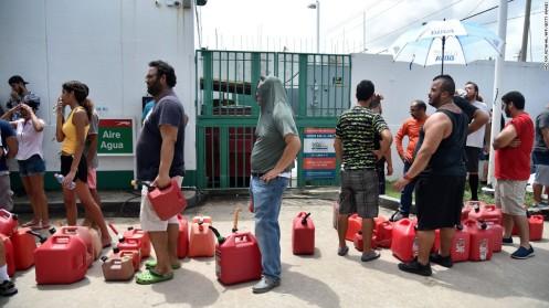 colas-para-obtener-gasolina-Puerto-Rico