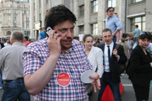 político-leonid-volkov-en-la-reunión-en-apoyo-de-navalny-48203745