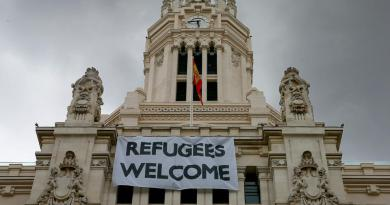 refugeeswelcome_1585313a