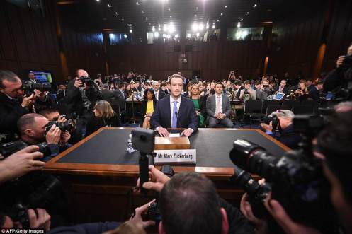 4B05FE4200000578-5599415-SURROUNDED_Facebook_CEO_Mark_Zuckerberg_arrives_to_testify_befor-a-93_1523392811791
