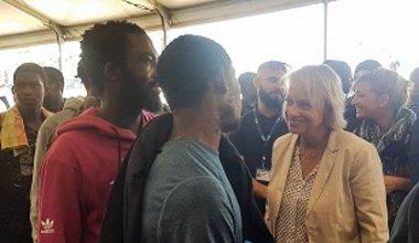 eu_ambassador_to_libya_visits_migrants_returning_home_from_mitiga_airport_in_libya_small.jpg