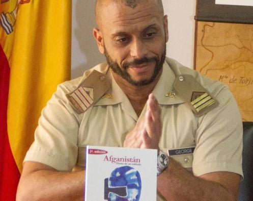 Guillermo-Jorge-heteronimo-George-poemario_EDIIMA20170201_0879_20