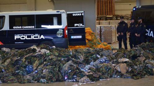 la-policia-intercepta-20-000-uniformes-militares-destinados-a-terroristas-del-daesh
