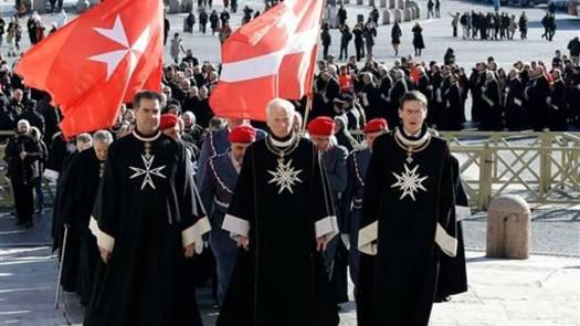 desfile-de-caballero-de-la-orden-de-malta-en-roma