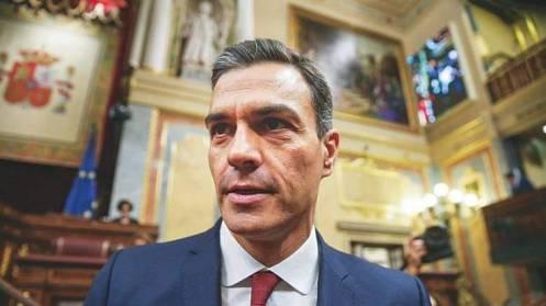 Pedro Sanchez (ahora alias Falconetti CO2), ultima con Mohamed VI el alzamiento marroquí en España y el paso de tropas saudíes de mayoría marroquí. Las armas ya han llegado. Marruecos y Sánchez quieren cortar el oleoducto de ARAMCO desde Nigeria que subirán el litro hasta 2,20 euros a lo largo de 2019. Sánchez no se entiende con Trump sino con Merkel y Soros.