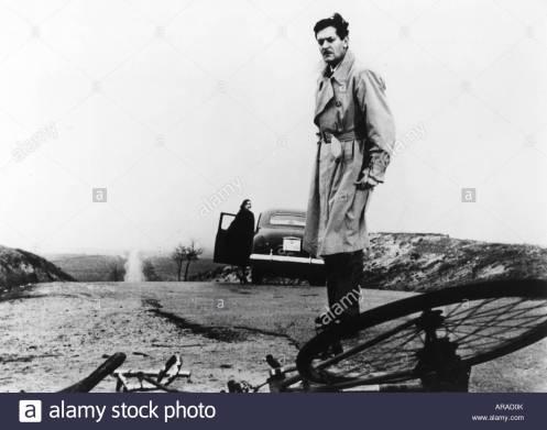 movie-edad-de-infidelidad-muerte-de-un-ciclista-esp-ita-1955-director-juan-antonio-bardem-escena-con-alberto-closas-arad0k