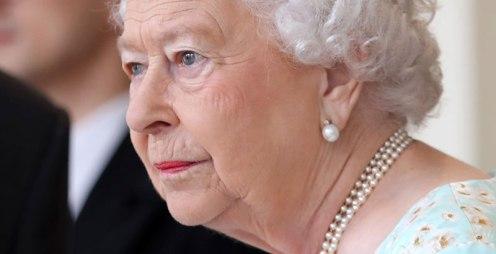 Ella-es-la-doble-de-la-reina-Isabel-II